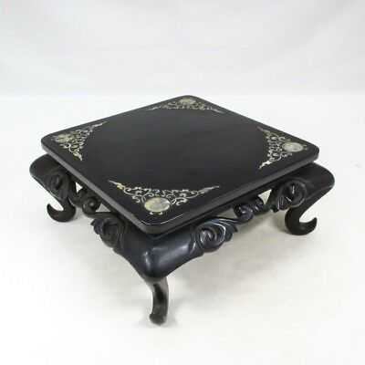 E894: Japanese lacquered decorative stand with good inlaid mother-of-pearl work