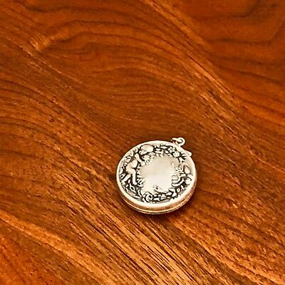 - American Sterling Silver Hinged Pill Box With Loop: Cherubs In Rose Garden