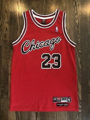 buy popular cdd51 bfebe VINTAGE NIKE AUTHENTIC 8403 Chicago Bulls #23 MICHAEL JORDAN Jersey 40  Medium M