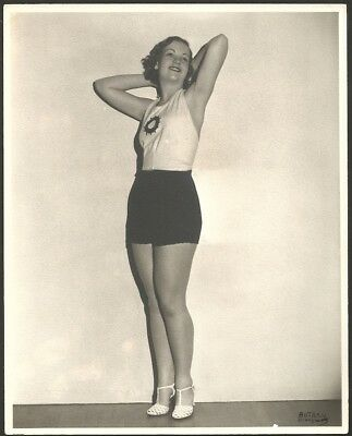 1936 Spirited Ingénue Janet Shaw Pin-Up Photograph Hand-Signed by Max M. Autrey