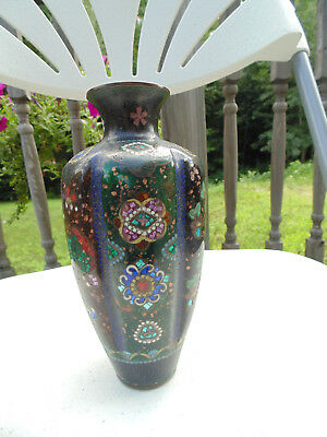 Beautiful lobed Japanese cloisonne vase with foil mosaic