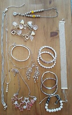 Mixed Job Lot Of 14 Vintage & Modern Assorted Silver & Gold Tone Jewellery