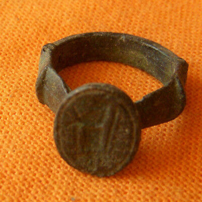 A113. Post Medieval style bronze ring.