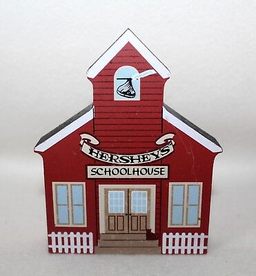 "2001 Faline Cat's Meow ""HERSHEY'S SCHOOLHOUSE"" Shelf Sitter Signed"