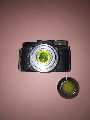 MYCRO MINi VINTAGE CAMERA 2X1 INS WITH LEATHER CASE LENS IN GOOD CONDITION