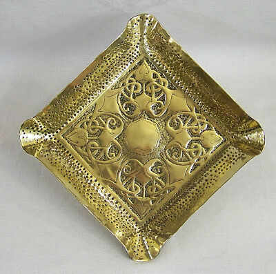 An Extremely Stylish Antique English Arts & Crafts Art Nouveau Brass Tray C1910.