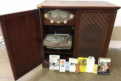 Vintage 1950's  Zenith HFR1290R Tube Radio & Phonograph in 12R21 Chassis