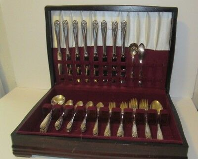 Vintage 1847 Rogers Bros IS Daffodil Silverplate Flatware 52 piece Set & Chest