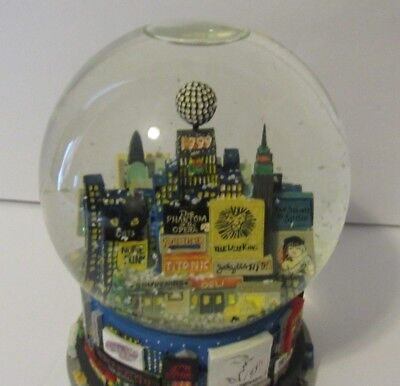 1999 New York Times Square Snow Globe Music Box Twin Towers Bloomingdales
