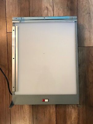 Vintage X-Ray Film Illuminator Wall Mount Image Light Box (Excellent Condition)