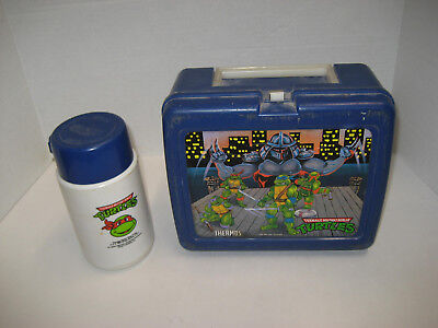 Vintage 1990 Teenage Mutant Ninja Turtles lunch box with thermos in good shape