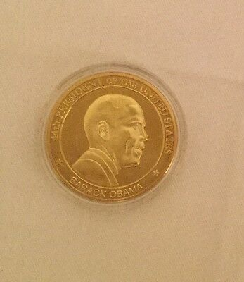 OBAMA 44th PRESIDENT CHALLENGE COIN in CLEAR CASE  USA FLAG EAGLE SEAL
