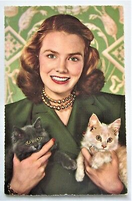 Pretty LADY with Her Cats Kittens 1940s Italy Italian Postcard