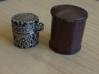 Sterling Thimbal With Sterling Case And Leather Case With Thimbal