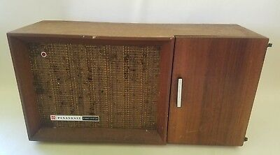 Panasonic RE-7487 Solid State AM FM Transistor Table Radio Wood Cabinet WORKS