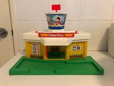 Vintage Fisher Price Little People Airport 1980 933