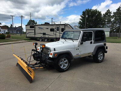 2006 Jeep Wrangler  2006 Jeep Wrangler Trailer Rated 4x4 6 Cylinder Gas Auto AC Meyer Snow Plow CD