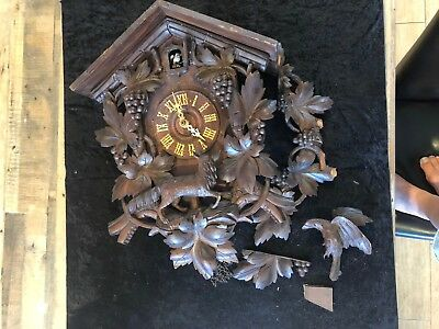 Large Black Forest Old Cookoo Clock For Repair (18)