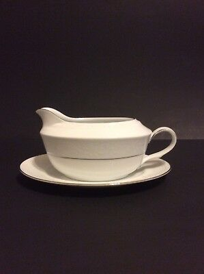 Noritake White Scapes Whitecliff Platinum Gravy Boat With Under Plate