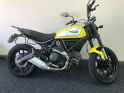 Ducati Scrambler ICON 2016 ONLY **1300 MILES**