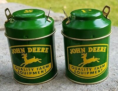 JOHN DEERE Green Milk Can Salt & Pepper Shaker Set - Brand New - Free Shipping