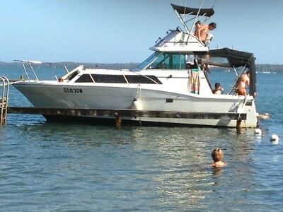Flybridge Cruiser Marina 25
