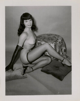 1950s Original Vintage Sultry Bettie Page Pin-up Photograph Fishnet Stockings NR