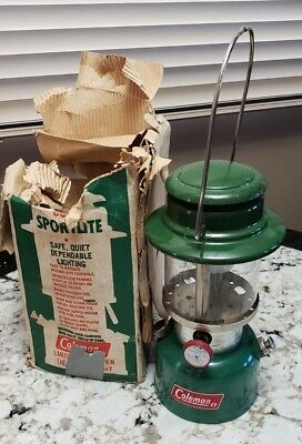 Vintage Coleman Lantern  Model 335 Sportlite With Instructions And Box