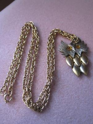 Very Cute Vtg OWL with Articulated Body Amber Eyes PENDANT on Heavy G T Chain