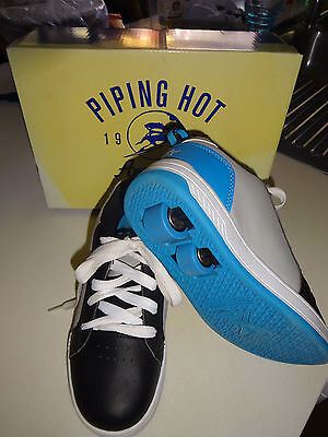 Boys Piping Hot Skate shoe size 3 as new
