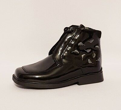 """Clarks """"Couldron"""" Black Patent Leather Boots Shoes Infants Girls Uk Size 6.5 G"""