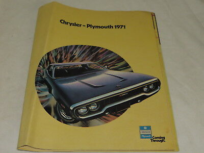 Vintage Chrysler Plymouth 1971 Automobile Brochure