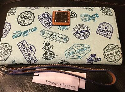 NWT Disney Dooney And Bourke Vacation Club DVC Wallet