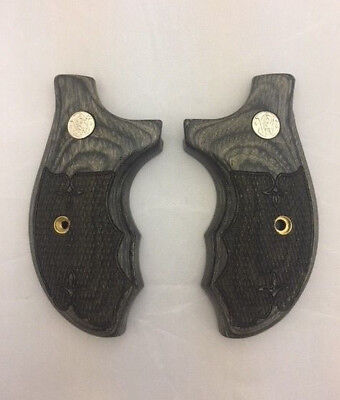 ALTAMONT S&W J Frame Round Combat Grips Silverblack Checkered Silver  Medallions