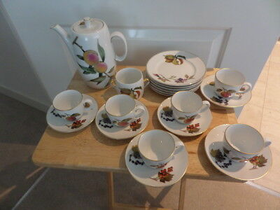 ROYAL WORCESTER COFFEE SET - EVESHAM - 20 pieces Coffee pot, cups saucers plates