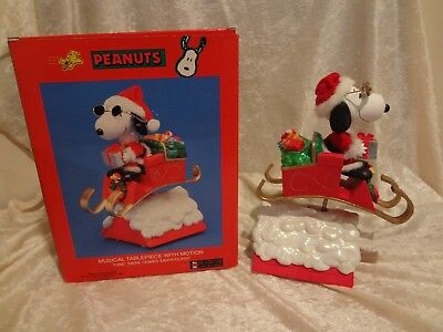 Peanuts Snoopy Musical Tablepiece Here Comes Santa Claus San Fran Music Box Comp