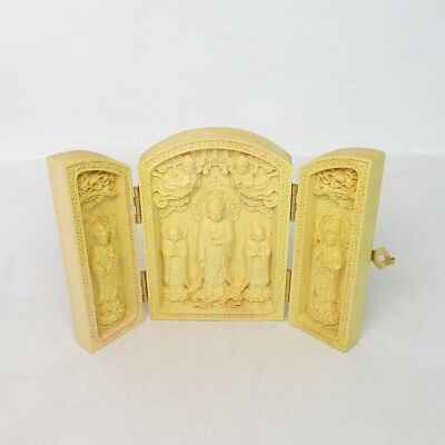 F161: Japanese foldable Buddhist ornament of wood carving with fantastic work
