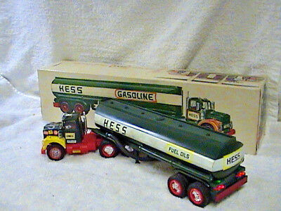 1972 - WITH cross! HESS OIL TANKER LIGHTS WORK!!MORE - MAGS many sticker cab..!!