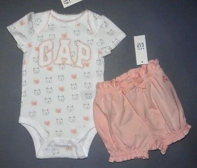 Baby girl clothes, 6-12 months, Baby GAP cute bodysuit & ruffled short/CLEARANCE