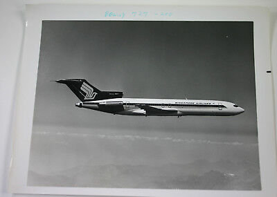 Boeing 727 Singapore Airlines 8x10 Photo