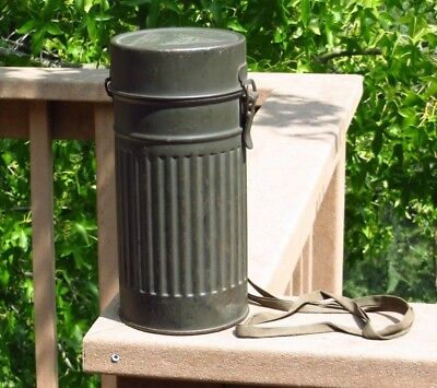 WW2 WWII German Military Field Gear Gas Mask w/ Canister Wehrmacht