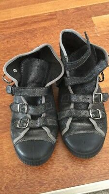 leather sneakers 38