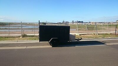 Box Trailer 8 x 5 with tool box and roof bars. Register and in good condition