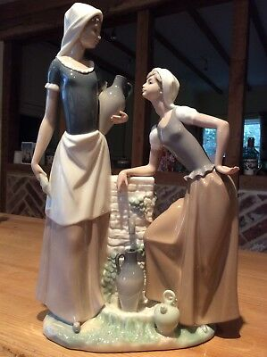 Large Lladro Nao Figure group,'Talking Women'. Immaculate