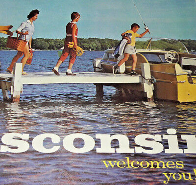 Wisconsin WI Welcomes You Old Vintage Paper View Souvenir Fishing Q