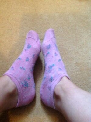Trashed Ladies Socks Gym And Running Used