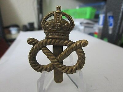 WWI British Army Queens Own Regt Staffordshire Yeomanry KK1413 Cap Badge #2073