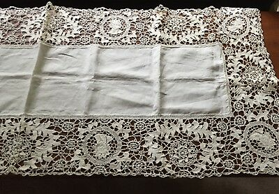 Antique Vtg Colonial Style Figural Lace Trim Linen Table Cloth Runner Holiday