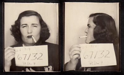 SINISTER CIGARETTE WOMAN SCOWLS in FAKE MUG SHOT 1950s PHOTOBOOTH PHOTO LOT