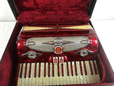 Vintage Accordian Castiglione of Detroit 41 key Made in Italy w/ case model 4475